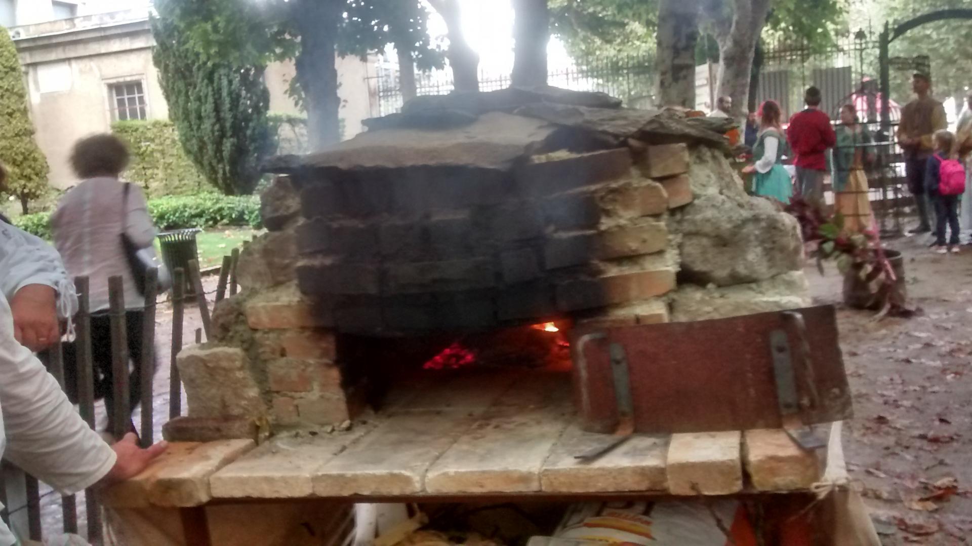 Le four pour faire cuire notre pain d'épices