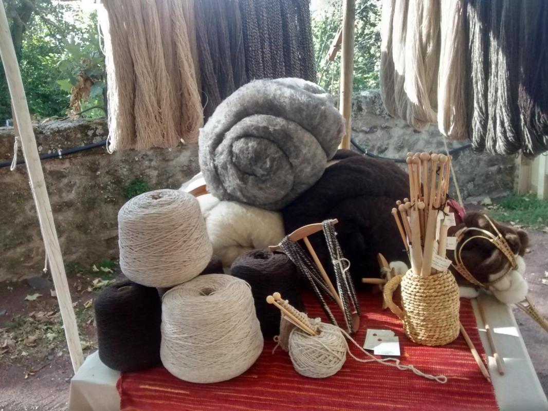 Et voilà les pelotes de laine!